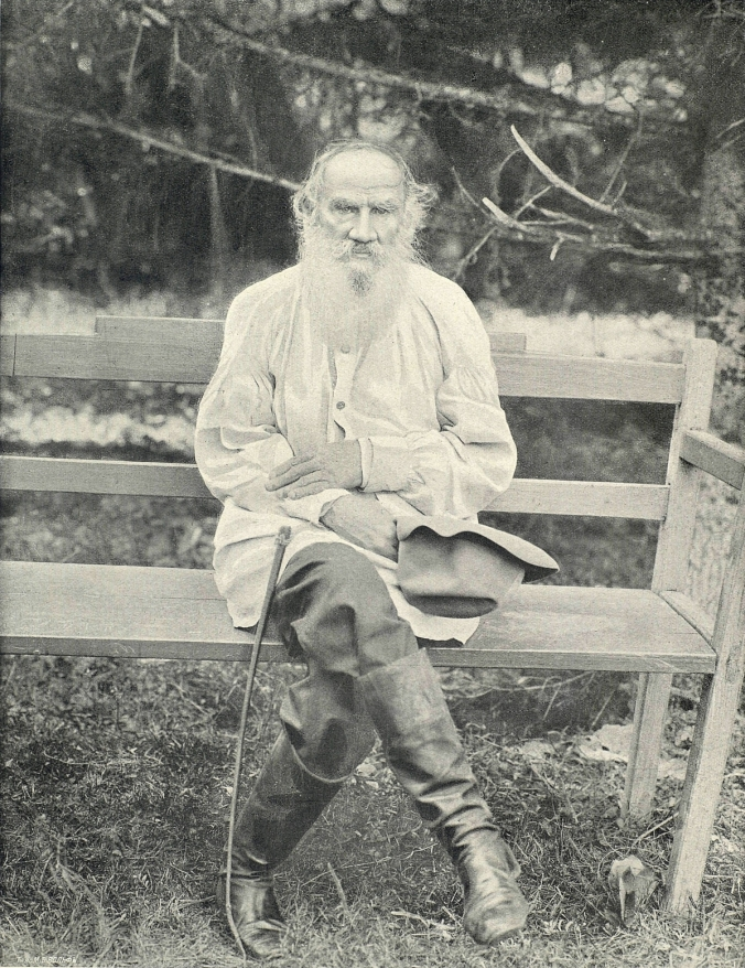 Lev_Tolstoy_photo.jpg